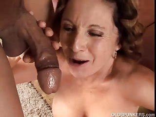 cum gorgeous granny gorgeous granny loves to fuck and eat cum
