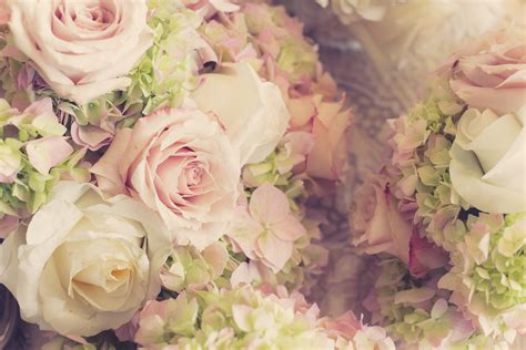 best flowers for weddings how to choose the best flowers for your big day