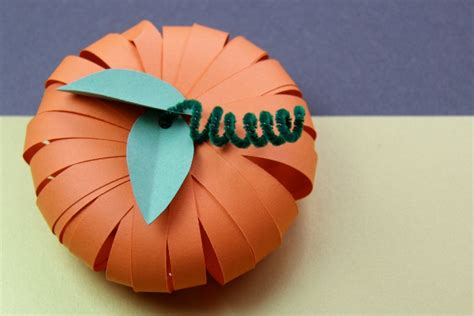 How To Make 3d Pumpkin Out Of Paper - 14 diy paper decorations for fall and thanksgiving