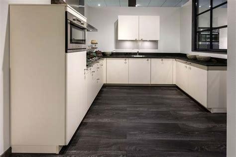 welke len in keuken u keukens veel opbergen leuk met extra bar db keukens