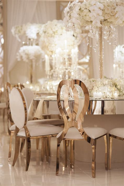 Habillement Chaise Mariage by Glamorous Gold Wedding Chairs And Mirror Tables At Four