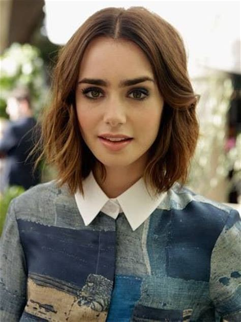 short haircuts for middle partings wavy middle parted shoulder length hair beauty
