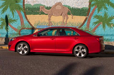 Toyota Camry Se 2014 2014 Toyota Camry Reviews And Rating Motor Trend