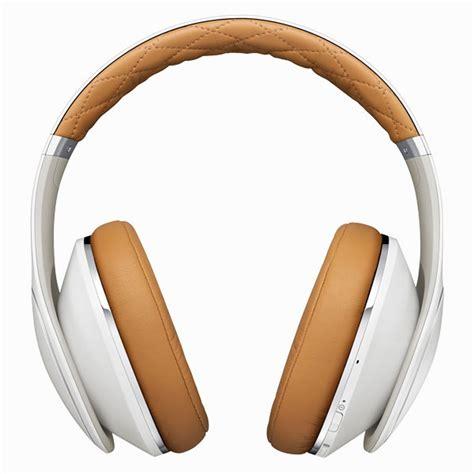 samsung level headphones use hybrid noise cancellation technology
