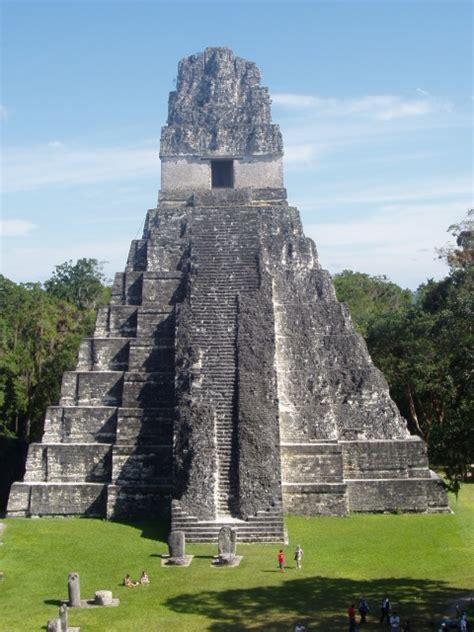 imagenes del gran jaguar en tikal arqueolog 205 a y aventura por la ruta maya en guatemala
