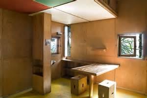 le cabanon de le corbusier reconstitu 233 par cassina cosy