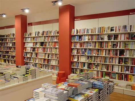librerie ubik aprire ubik libri conviene pro e contro franchising