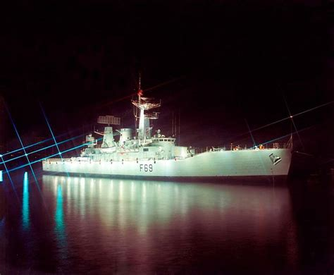 party boat wellington leander class frigate hmnzs wellington at night warship