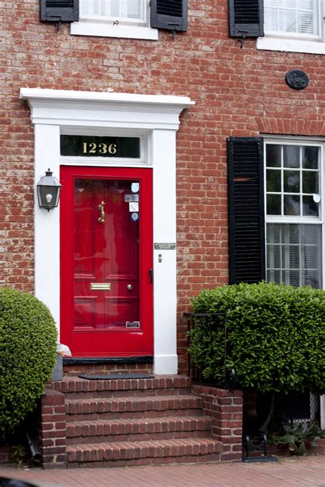 like the idea of painting the door trim the same color home decor