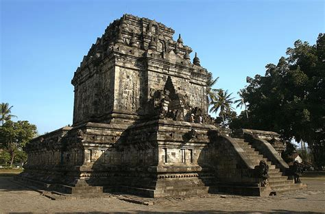 Proxemic Relief Candi Candi Abad Ke 8 10 Agus Aris Munandar Buku 10 kerajaan bercorak hindu budha di indonesia