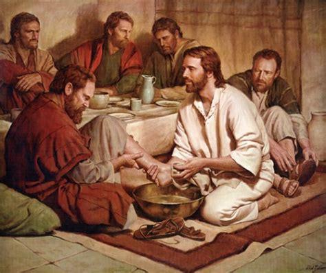 la ultima cena de jesus y sus discipulos im 225 genes de jes 250 s lavando los pies de sus disc 237 pulos imagenes de jesus fotos de jesus