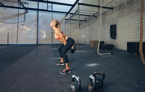 dumbbell swings crossfit wallpaper crossfit blonde workout russian dumbbell