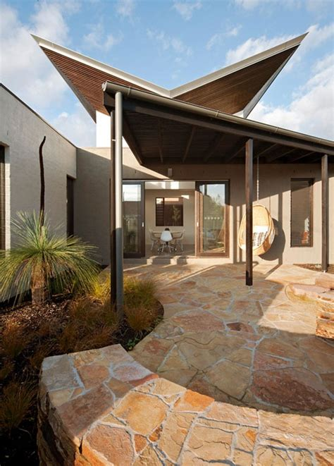 images  butterfly roofs  pinterest green roofs architecture  solar