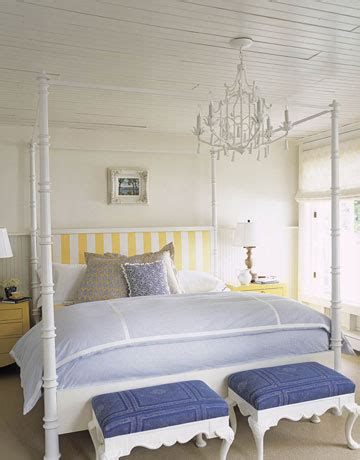 White Bedroom Chandelier by Chandeliers In Bedrooms