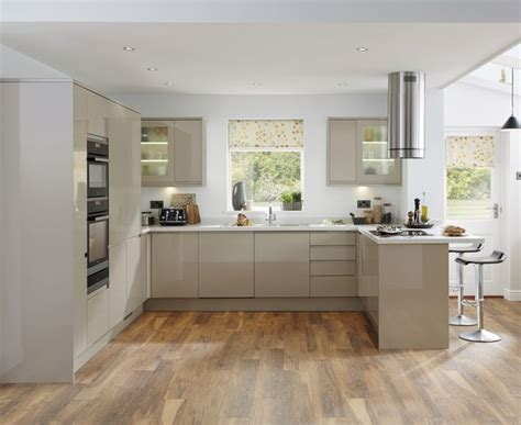 gloss kitchens ideas best 25 howdens kitchens ideas on howdens