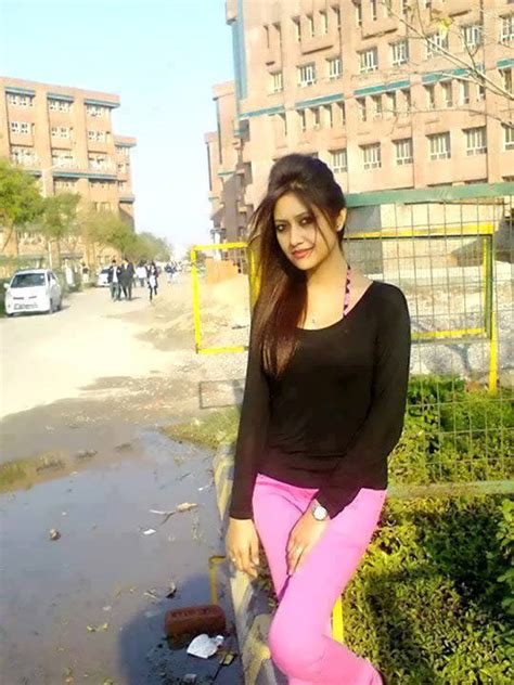karachi ki beautiful girls home facebook