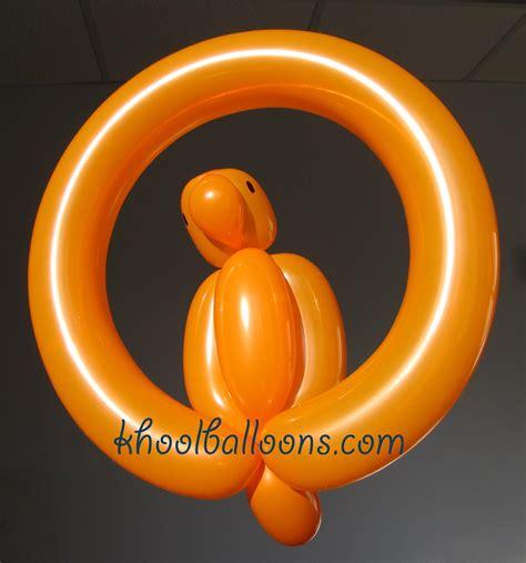 One balloon parrot