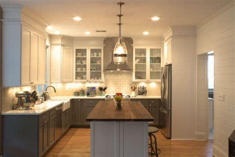 Kitchen Cabinets Atlanta by Take Those Cabinets To The Ceiling And Get Rid Of The