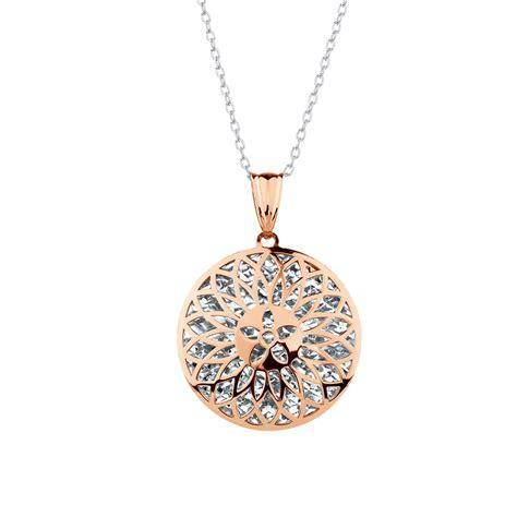 pendant in 10ct white gold