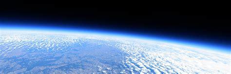 earth atmosphere blue bright clouds wallpaper atmosph 232 re terrestre bleu ciel lumineux papier peint