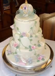 themed wedding cakes castle and cinderella themed wedding cakes wedding ido