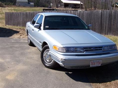 how to learn about cars 1995 ford crown victoria windshield wipe control beefcake82287 1995 ford crown victoria specs photos modification info at cardomain