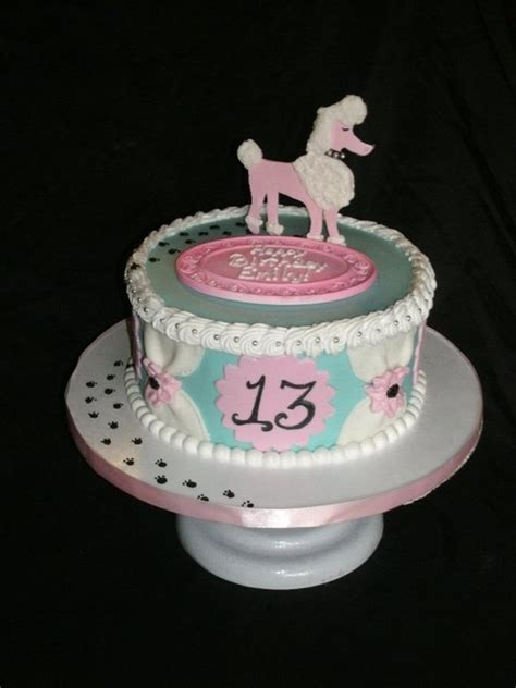 feminine cakes images  pinterest biscuits amazing cakes  decorated cakes