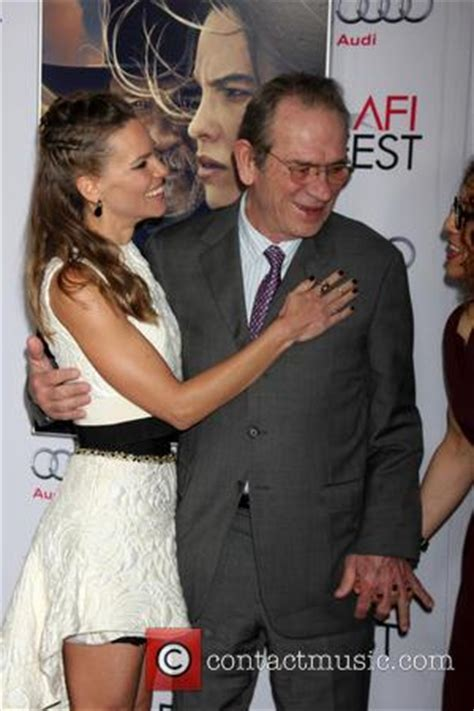hilary swank and tommy lee jones tommy lee jones pictures photo gallery contactmusic