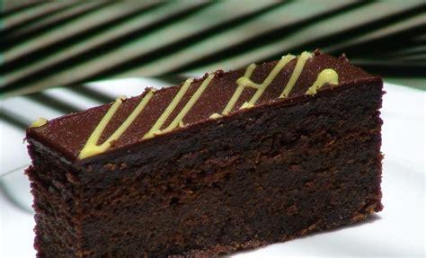 cara membuat brownies black forest kukus brownies kukus siram ganache mamadidapur