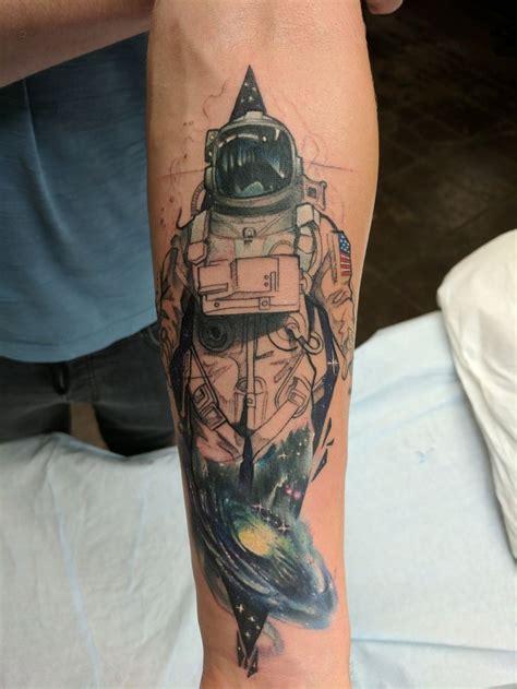 astronaut tattoo best 20 astronaut ideas on astronaut