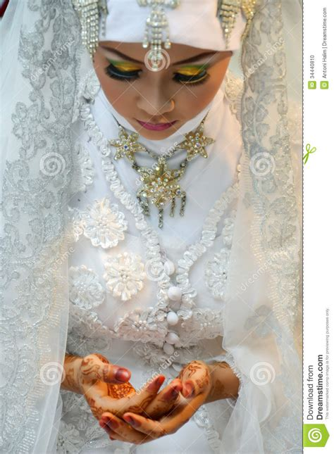 indonesian brides indonesian bride stock photo image 34440810