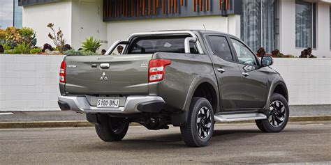 triton mitsubishi 2017 2017 mitsubishi triton pricing and specs new models more