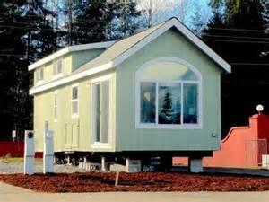 2 bedroom park model homes tree cabin honeymoon cabin where can i build a tiny house mexzhouse com