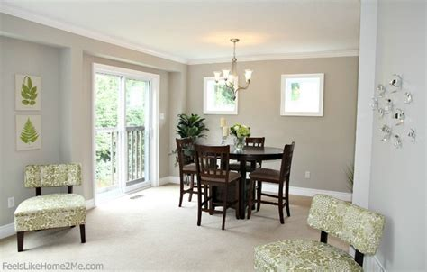 small dining area staging