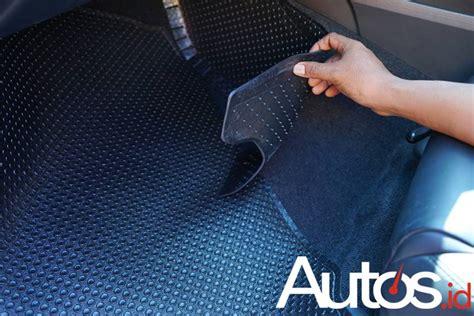 Karpet Karet Lantai Mobil karpet karet ini sanggup menutupi hingga bagian dinding
