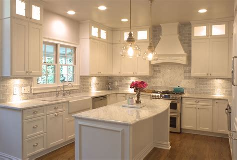 kitchen bulkhead ideas kitchen cabinet bulkhead alkamedia com