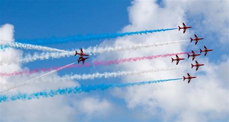 airshow news red arrows  fly triple bill  airbourne   year  raf uk airshow
