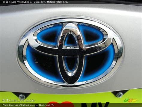 toyota prius logo 2011 prius hybrid v logo photo no 47423385 gtcarlot com