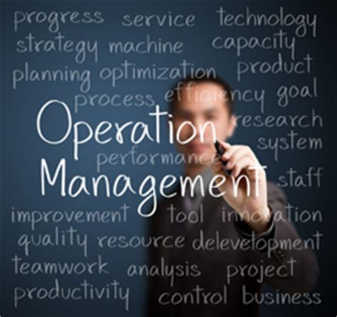 difference between operations managers and general managers operations manager