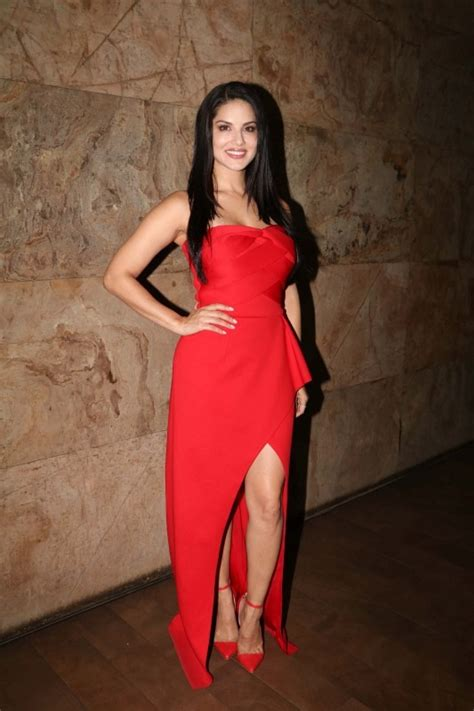 actress laila hot songs sunny leone promotes laila main laila song from raees