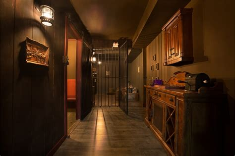 the locked room calgary s the great heist escape room yelp
