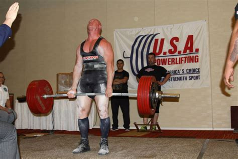 masters bench press records airman breaks powerlifting records military com