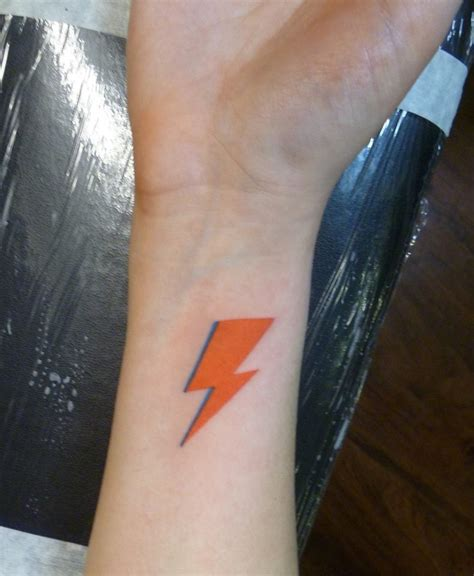 david bowie lightning bolt tattoo david bowie lightning bolt as done by lemon of bound