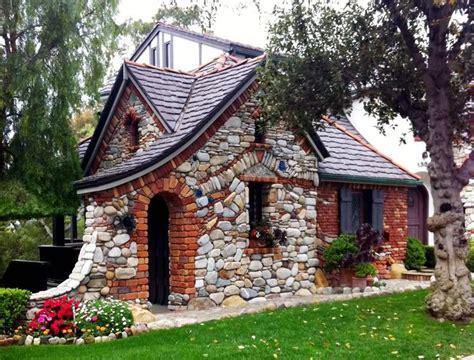 brick tudor cottage cottage house living