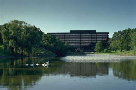 Deere Corporate Office by Deere World Headquarters In Moline Il Thinglink