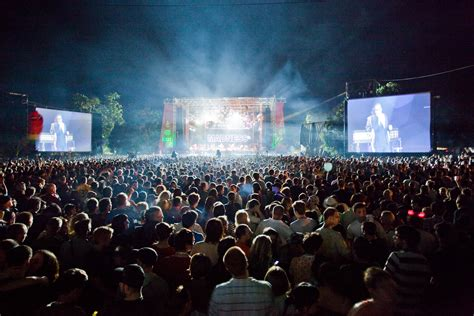 festival photo file madness at stage exit festival jpg wikimedia