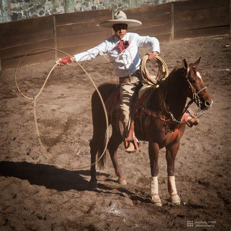 fotos de vaqueros a caballo charros vaquero by karikaiyuk on deviantart