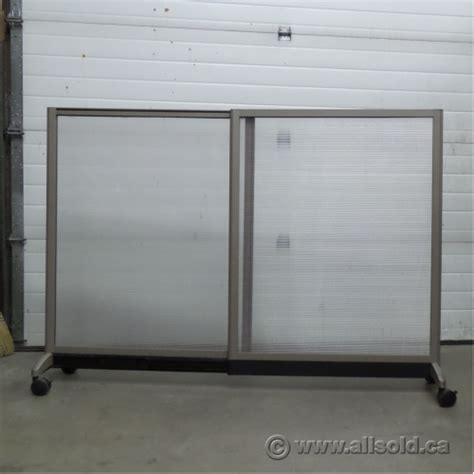 Expandable Room Divider Teknion Expandable Rolling Translucent Panel Office Room Divider Allsold Ca Buy Sell Used