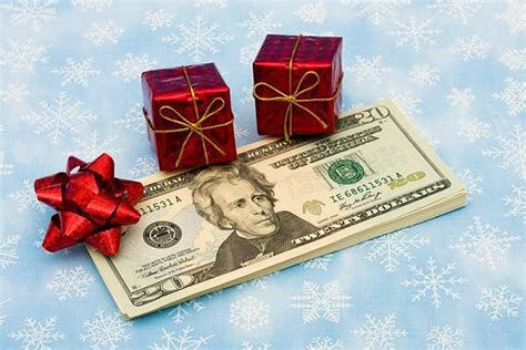 images of christmas money 5 money saving tips for the holidays makemoneyinlife com