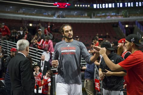 chicago bulls bench joakim noah didn t tell bulls he wants to come off the